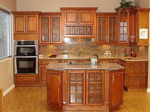 Cabinet Wood Species: Maple | Cabinets of the Desert